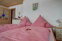 Schlafzimmer - Ferienwohnung Bad Wiessee am Tegernsee